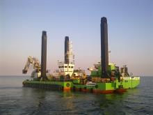 oil-rig-856643_640.jpg